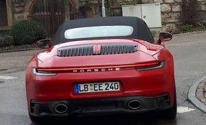 El Porsche 911 GTS Cabriolet 992 se deja ver en la calle totalmente al desnudo