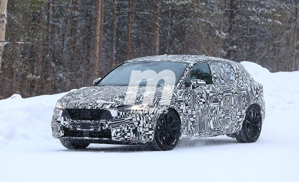 El nuevo SEAT León 2020 continúa enfrentándose al frío y la nieve