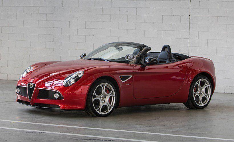 FCA pone a la venta un Alfa Romeo 8C Competizione y un 8C Spider a estrenar