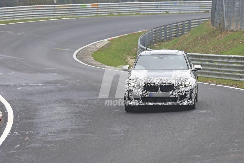 El deportivo BMW M135i xDrive deja nuevos detalles a la vista en su paso por Nürburgring