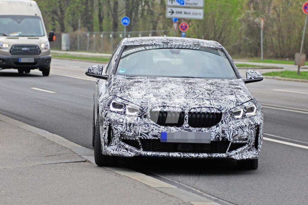 Nuevas fotos espía del BMW Serie 1 M Sport dejan ver más detalles