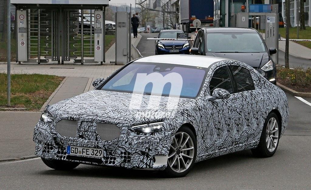 La nueva generación de Mercedes Clase S se deja ver a plena luz del día