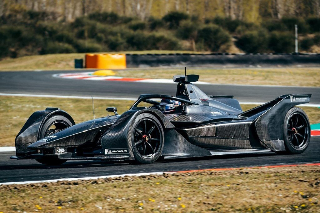 El Mercedes EQ Silver Arrow 01 hace su debut en Varano