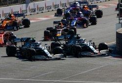Hamilton admite que fue demasiado amable con Bottas en la primera vuelta