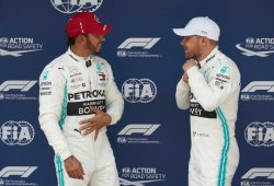"""Hamilton reaccionó tarde y Bottas se llevó la pole: """"Valtteri ha estado estelar"""""""
