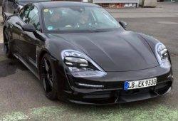 El Porsche Taycan ya sale a la calle con sus ópticas definitivas