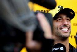 "Ricciardo rinde tributo a Pérez por su récord en Bakú: ""¡Qué leyenda!"""