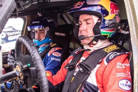 """De Villiers: """"Con trabajo y experiencia, Alonso lo puede hacer bien en el Dakar"""""""