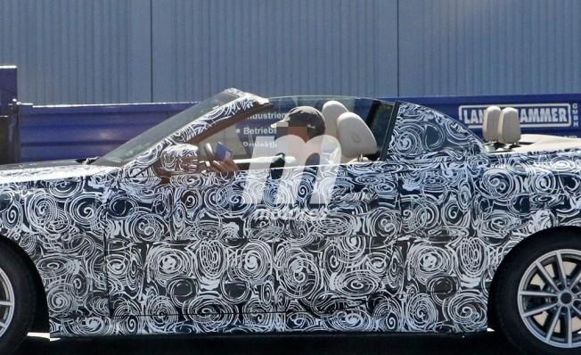 BMW Serie 4 Cabrio 2020 - foto espía lateral