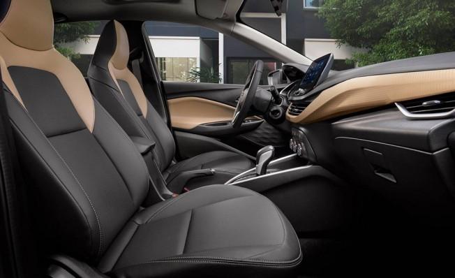 Chevrolet Onix Redline - interior
