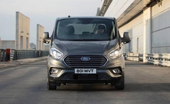 Ford Tourneo Custom Plug-in Hybrid - frontal