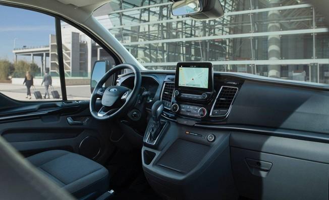 Ford Tourneo Custom Plug-in Hybrid - interior