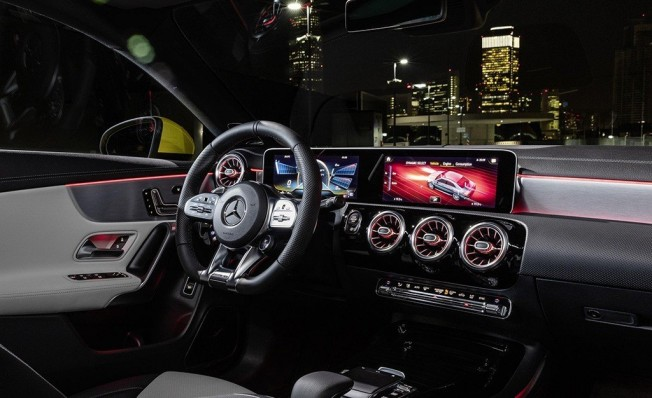 Mercedes-AMG CLA 35 4MATIC 2019 - interior