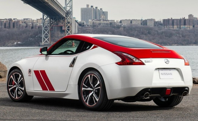 Nissan 370Z 50th Anniversary Edition - posterior