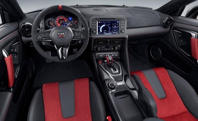 Nissan GT-R Nismo 2020 - interior