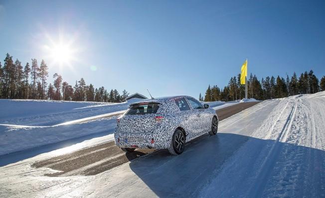Opel Corsa 2020 - posterior