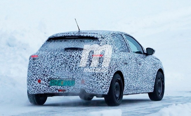 Opel Corsa 2020 - foto espía posterior