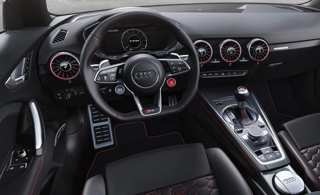 Audi TT RS 2019 - interior