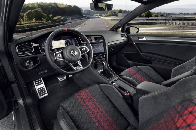 Volkswagen Golf GTI TCR - interior