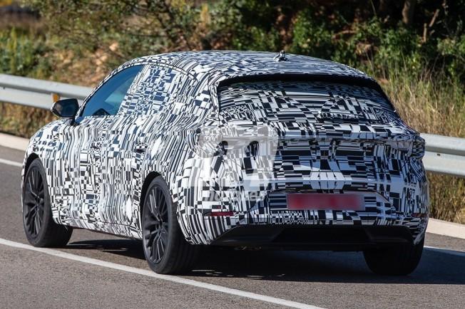 SEAT León 2020 - foto espía posterior