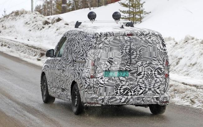 Volkswagen Caddy 2020 - foto espía posterior