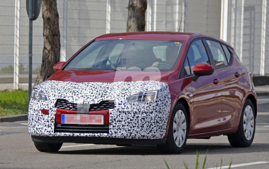 El lavado de cara del Opel Astra, cada vez más cerca luciendo nuevos detalles