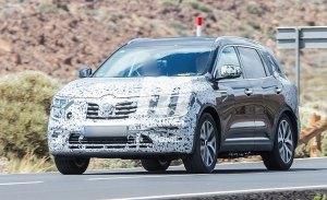 Renault Koleos 2020, la renovación del SUV francés comienza a destaparse