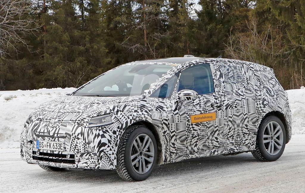 El nuevo Volkswagen ID. 3 compacto durante sus pruebas de invierno