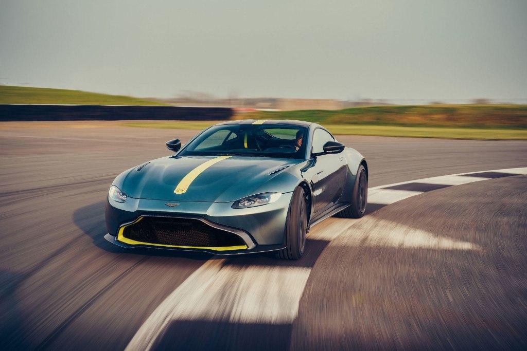 Aston Martin desvela el nuevo Vantage AMR más ligero y con caja manual