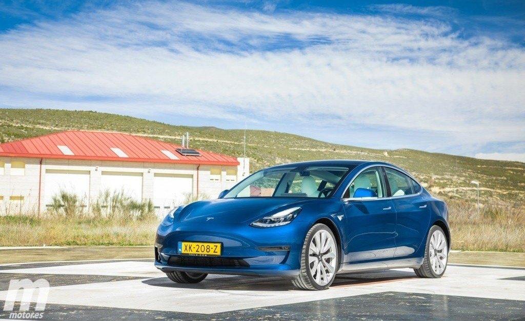 El Tesla Model 3 pierde fuelle en Europa y el Renault ZOE recupera el liderato