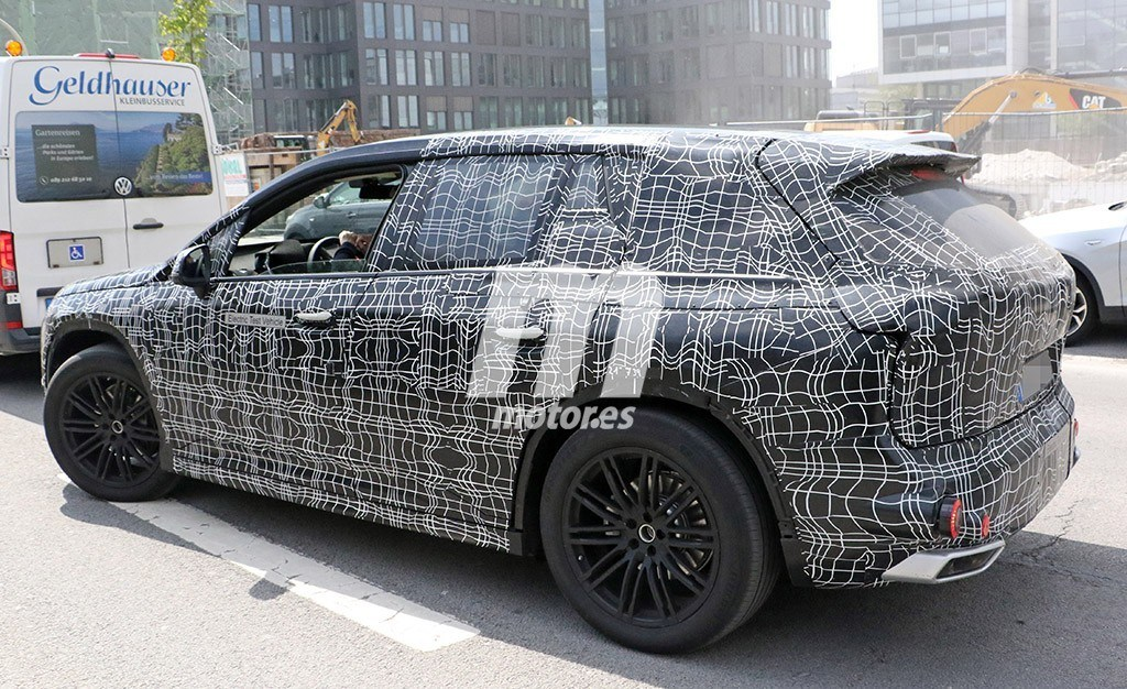 2020 BMW i6/iNEXT/iX8 39