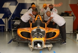 """Brown considera """"muy improbable"""" una temporada completa de McLaren en 2020"""
