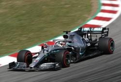 Hamilton deja a los Ferrari a un mundo de distancia antes de la clasificación