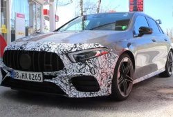 El nuevo Mercedes-AMG A 45 cazado prácticamente al desnudo [vídeo]