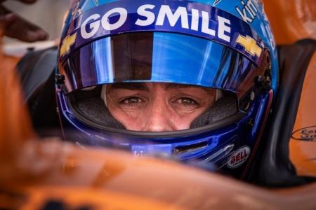 La lluvia añade más drama a la situación de Alonso: sin rodar en los últimos Libres