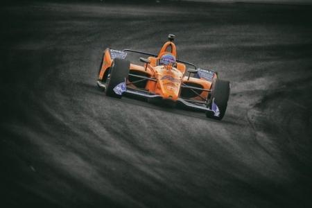 """McLaren publica su versión """"sin filtros"""" de su paso por Indy"""