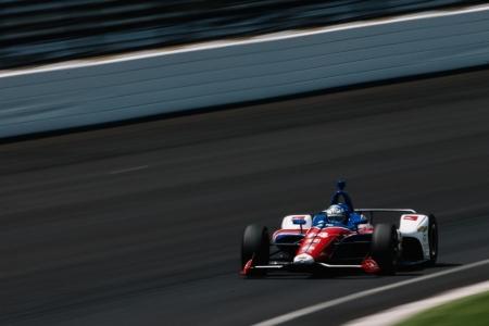 Tony Kanaan lidera la última sesión de libres en el Carb Day