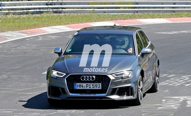 Audi RS 3 Sportback 2021 - foto espía frontal