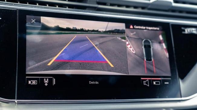 Una de las claves de la dotación tecnológica del Q8 es el sistema Audi park assist.