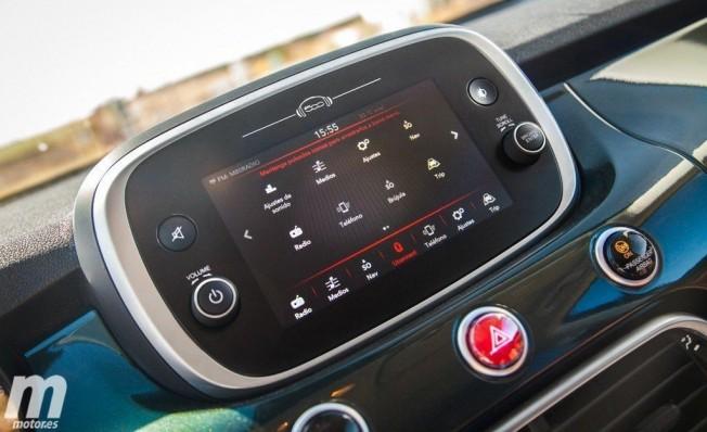 Fiat 500X - Pantalla táctil Uconnect HD