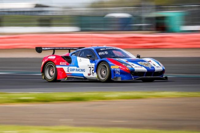 El Ferrari #72 de Molina gana en Silvertone, Riberas sube al podio