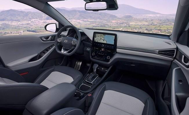 Hyundai IONIQ Híbrido - interior