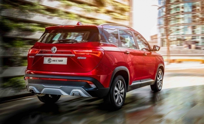 MG Hector - posterior