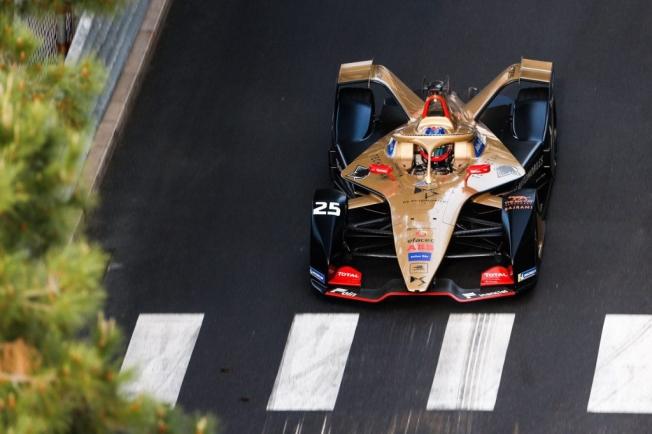 Oliver Rowland logra la pole en las calles de Mónaco