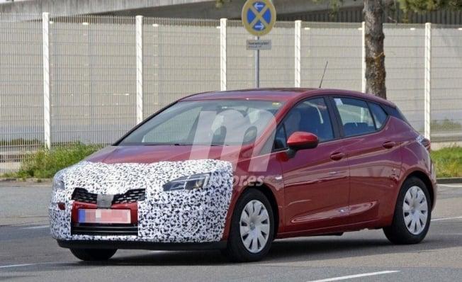 Opel Astra 2020 - foto espía
