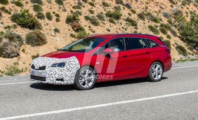 Opel Astra Sports Tourer 2020 - foto espía