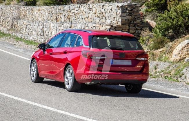 Opel Astra Sports Tourer 2020 - foto espía posterior