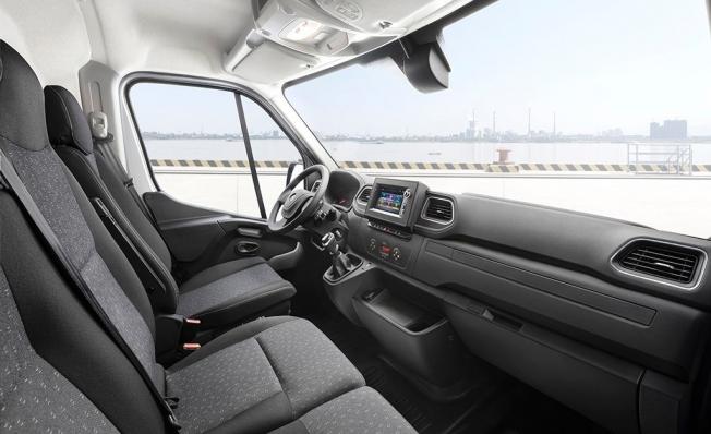 Opel Movano 2019 - interior