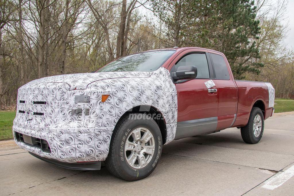 El próximo facelift del Nissan Titan nos muestra su interior