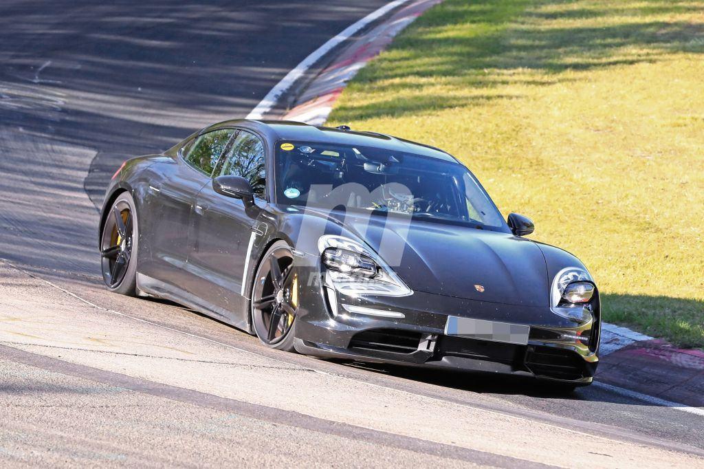 El Porsche Taycan ya va a por el crono en Nürburgring